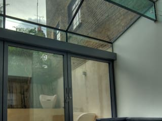 Marylebone Family House Minimalist conservatory by Peter Bell Architects Minimalist