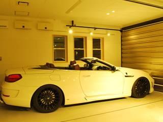 西川真悟建築設計 Garajes de estilo moderno