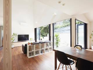白砂孝洋建築設計事務所 Salas de estar modernas