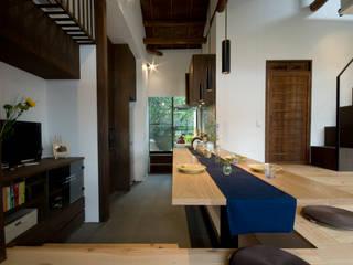【和モダンリノベーション】ダイニングキッチン 和風の キッチン の 森村厚建築設計事務所 和風 木 木目調