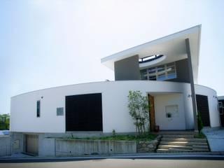 愛媛県松山市の家 モダンな 家 の Y.Architectural Design モダン