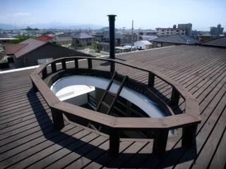 愛媛県松山市の家: Y.Architectural Designが手掛けたテラス・ベランダです。