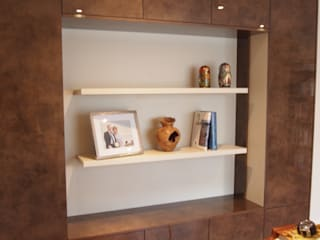 Storage and display unit for small study Designer Vision and Sound: Bespoke Cabinet Making Negozi & Locali Commerciali