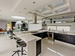 Cozinha: Cozinhas  por Espaço do Traço arquitetura,