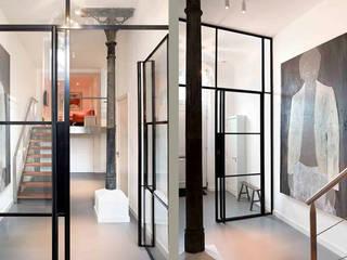 Schelpstraat Den Haag:  Gang en hal door Architectenbureau Filip Mens, Modern
