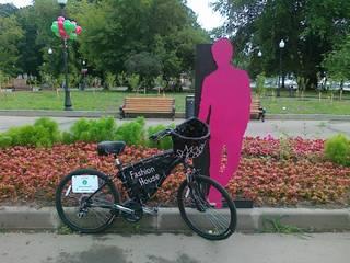 Велоэкспозиция журнала COLLEZIONI:  в современный. Автор – Fineobjects, Модерн