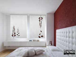 Dormitorios de estilo mediterraneo por LA VENTANA DE COLORES