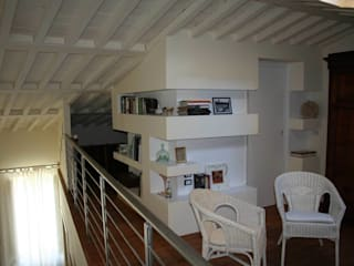 Anna Studio moderno di GROMATRE Moderno