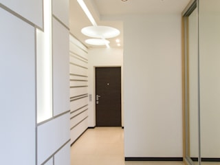 Частный интерьер - Современный минимализм: Коридор и прихожая в . Автор – Andrey Gulyaev Architects