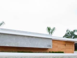 Minimalist houses by ZAAV Arquitetura Minimalist