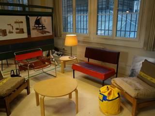 Espace de réception: Bureau de style  par Wiithaa