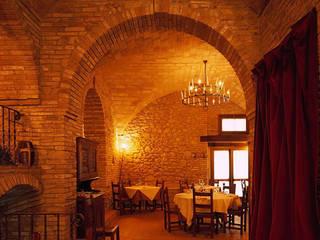 Le salette: Sala da pranzo in stile  di Studio Progettisti Associati Snc