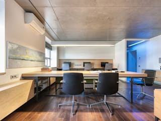 office M-03 Minimalist study/office by VALENTIROV&PARTNERS Minimalist