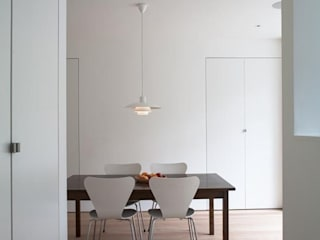Gowlett Road: minimalistic Dining room by HoughtonBudd Architects