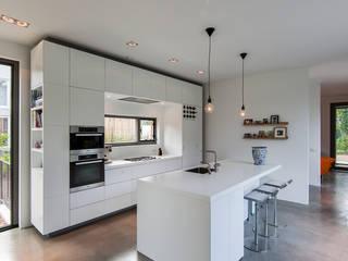 Cuisine de style  par paul seuntjens architectuur en interieur