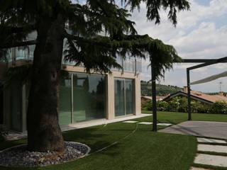 STUDIO DI ARCHITETTURA ZANONI ASSOCIATI Modern garden