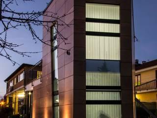 Direzionale_Rivalta di Torino: Complessi per uffici in stile  di IDAA ARCHITETTI