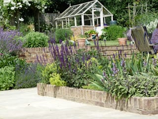 Garden for bees. Jardines de estilo rural de Cherry Mills Garden Design Rural
