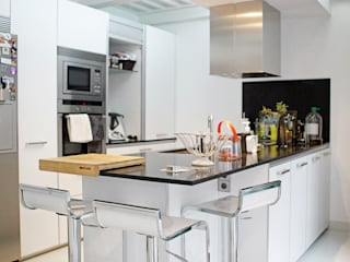 Modern Kitchen by emase Modern