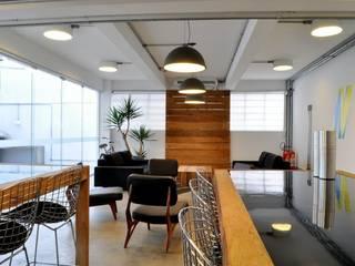 Office buildings by MM18 Arquitetura, Modern