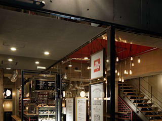 FACADE/2: BaNANA OFFICE INC.が手掛けたレストランです。