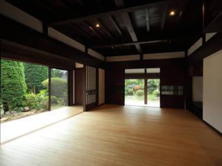 築120年、日本の古民家再生 オリジナルデザインの リビング の ㈱カナザワ建築設計事務所/KANAZAWA Architects Design Office オリジナル