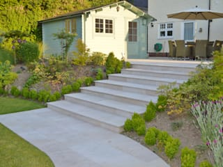 Smooth Natural Sandstone Paving: classic Garden by Unique Landscapes