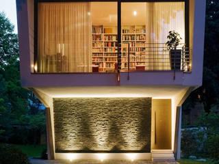 Massiv mein Haus aus Mauerwerk Eclectic style houses