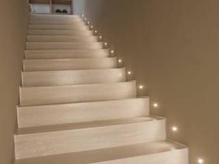 CASA GH Ingresso, Corridoio & Scale in stile moderno di marco.sbalchiero/interior.design Moderno