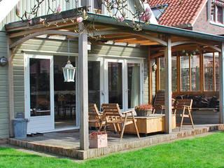 Oak Porch/ Veranda Eikenhout Landelijke balkons, veranda's en terrassen van Blok Meubel Landelijk
