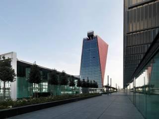 Net Center Padova Complesso d'uffici moderni di LVL Architettura Moderno