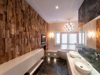 Moderne Badezimmer von Wonderwall Studios Modern