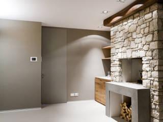 CAMINETTO TAVERNA: Cantina in stile  di marco.sbalchiero/interior.design