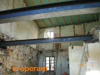 Moderne Wände & Böden von LATERES servizi per l'edilizia Modern