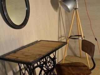 Tables, bureaux, consoles et gueridons par Hewel mobilier Industriel