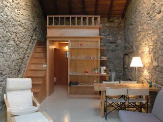 Moderne Wohnzimmer von Pini&Sträuli Architects Modern