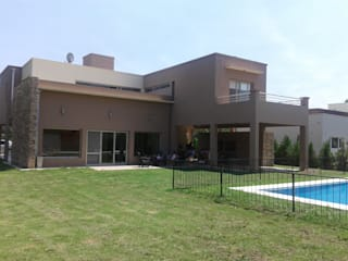 Classic style houses by Inca Arquitectura Classic