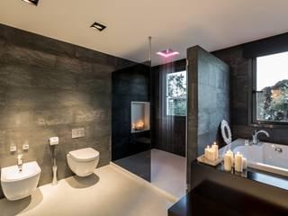 Projekty,  Łazienka zaprojektowane przez Laura Yerpes Estudio de Interiorismo