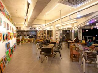 409 SPACE <界의 空間(Ⅳ)>: Shade Architecture & Design Studio의  상업 공간