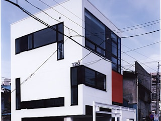 H-BLD: 濱嵜良実+株式会社 浜﨑工務店一級建築士事務所が手掛けたオフィスビルです。