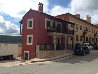 VIVIENDA UNIFAMILIAR EN SERRANIA CONQUENSE: Casas de estilo  de Estudio de Arquitectura Arte y Vida de Patricia Huerta arquitecto
