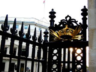 Buckingham Gates, London, SW1 by Barwin Classic
