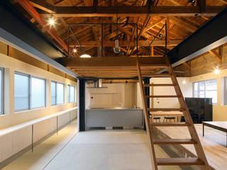 ダイニング: ARCHIXXX眞野サトル建築デザイン室が手掛けたダイニングです。