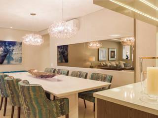 Modern living room by Calli Arquitetura Modern