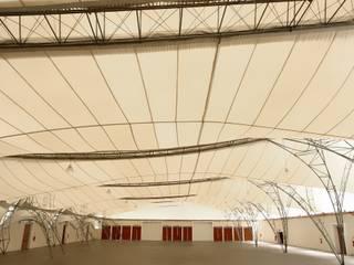 Mascarenhas Arquitetos Associados Pareti & Pavimenti in stile moderno