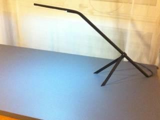 Lampe de bureau tripode - Design moderniste par Passe à l'Atelier Moderne