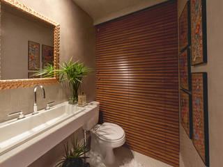 1301: Banheiros  por IE Arquitetura + Interiores