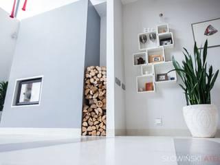 Dom jednorodzinny - Makowa Minimalistyczny salon od Atelier Słowiński Minimalistyczny