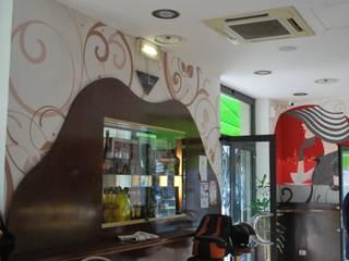 VISTA GENERALE: Negozi & Locali commerciali in stile  di Studio d'Arte Sezione Aurea
