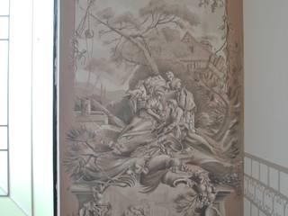 DECORAZIONE CLASSICA: Ingresso & Corridoio in stile  di Studio d'Arte Sezione Aurea